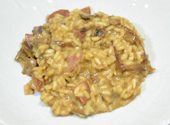 Ricetta del risotto con salsiccia, porcini e casizolu